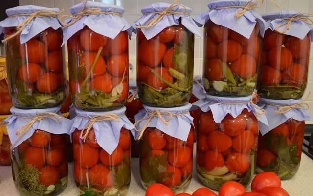 Помидоры с красной смородиной на зиму: рецепты маринования с фото и видео
