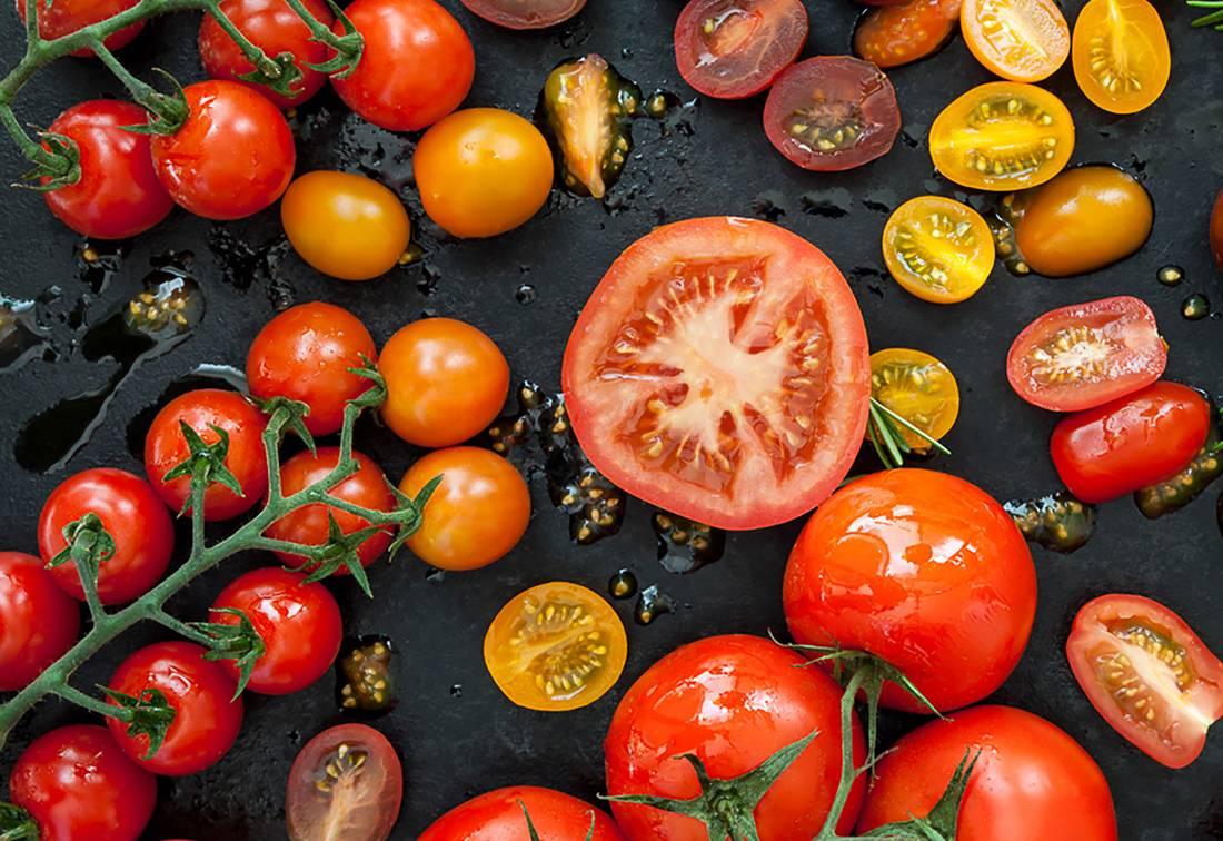 Выращивание помидоров в ведрах в открытом грунте и теплице