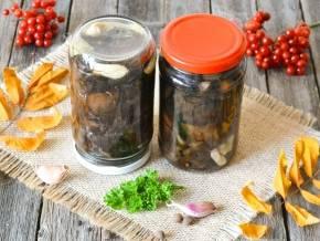 ТОП 3 простых рецепта маринованного чернослива на зиму в банках