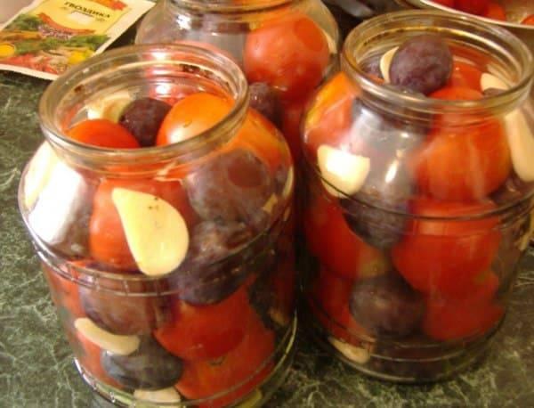 Самые вкусные рецепты консервированных помидоров со сливами на зиму