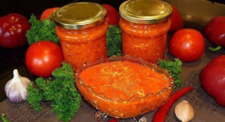 Аджика из помидор и чеснока: 8 классических рецептов