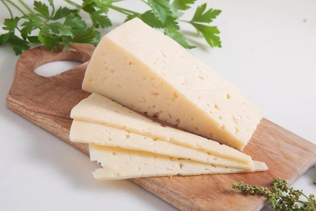 Плавленый сыр — польза и вред для организма