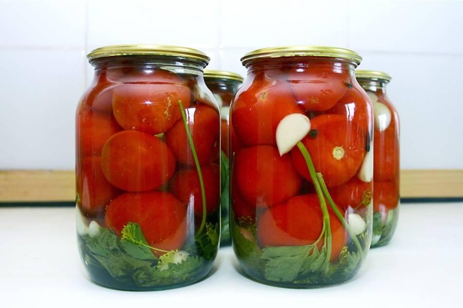 Через сколько времени можно есть маринованные помидоры и как определить готовность