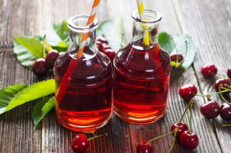 Вишня в собственном соку на зиму — 6 рецептов
