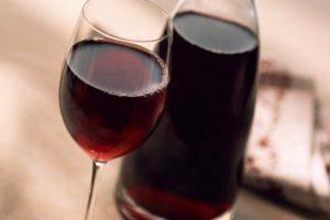 Кизиловая наливка: женский напиток из «мужской ягоды»