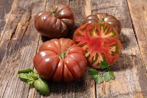 Отличные урожаи уже в начале сезона — томат гелена f1: описание сорта и советы по выращиванию