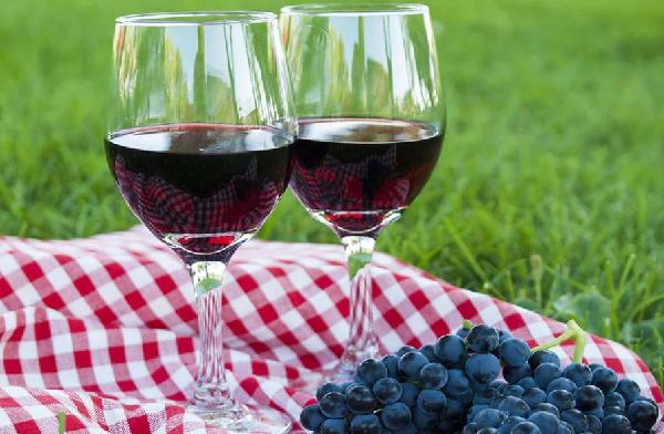 Домашнее полусладкое вино