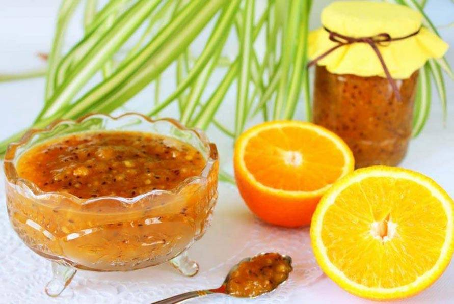 Сырое варенье из крыжовника с апельсином