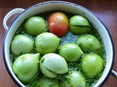 Рецепт консервирования помидоров в снегу с чесноком на зиму