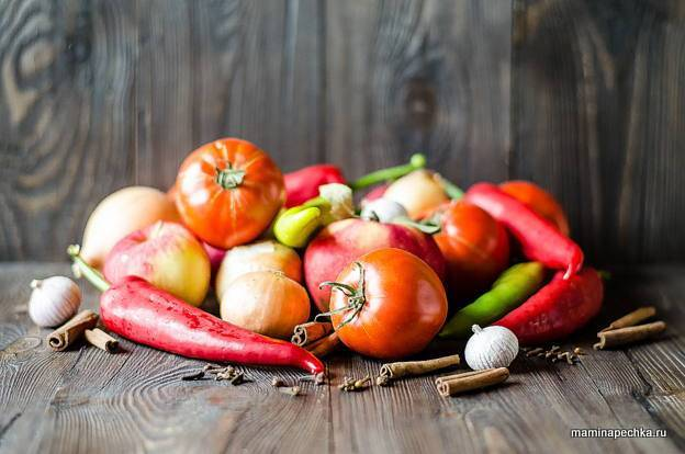 Кетчуп с яблоками – самые вкусные рецепты необычного пикантного соуса. простые рецепты кетчупа из помидоров с яблоками на зиму – пальчики оближешь