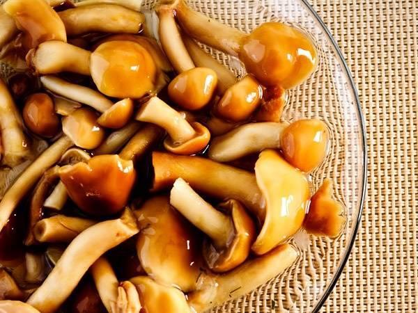 Простой рецепт приготовления маринованных опят на зиму