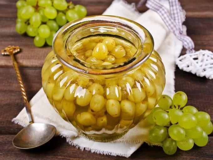17 лучших рецептов заготовок из винограда на зиму в домашних условиях