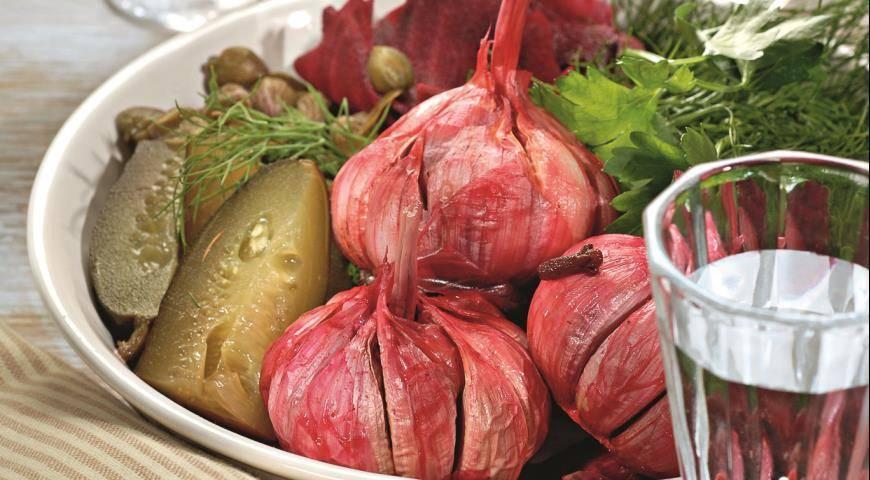 Рецепт маринования чеснока со свеклой на зиму