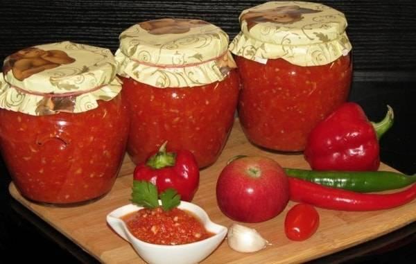Рецепты аджики с яблоками и помидорами на зиму