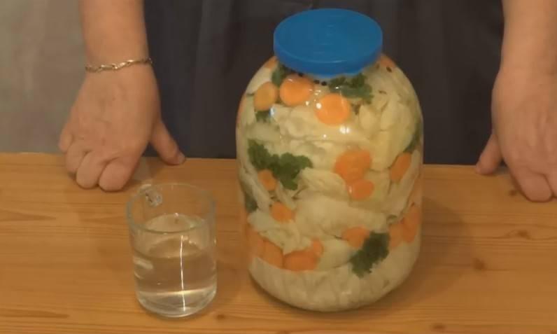 Капуста маринованная со свеклой острая по грузински. как готовится маринованная капуста со свеклой: рецепт с морковкой, по-грузински и другие варианты