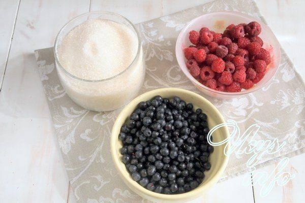 Черника с медом на зиму без варки: 2 пошаговых рецепта приготовления, хранение