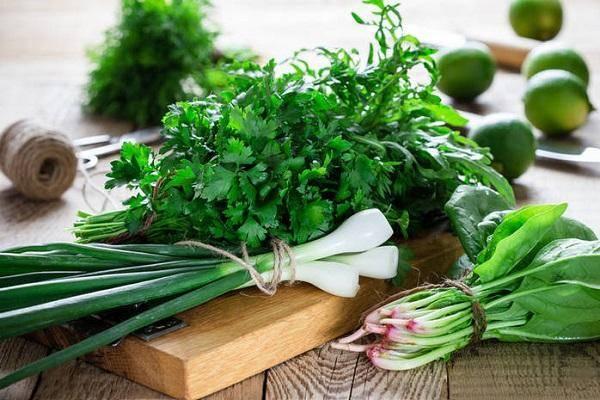 Как сохранить зеленый лук на зиму в домашних условиях