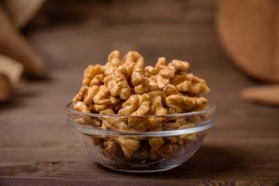 Советы по хранению грецких орехов (очищенные или в скорлупе) в домашних условиях