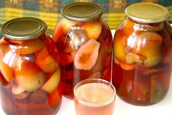 Рецепт компота из яблок и слив на зиму