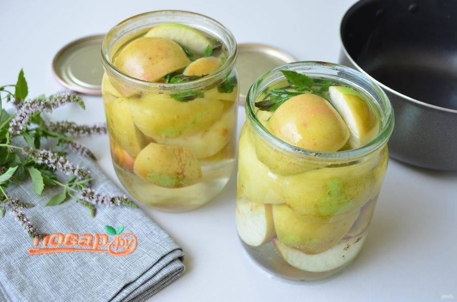 Моченые яблоки на зиму в банках — 6 рецептов в домашних условиях