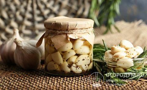Приготовление маринованного чеснока