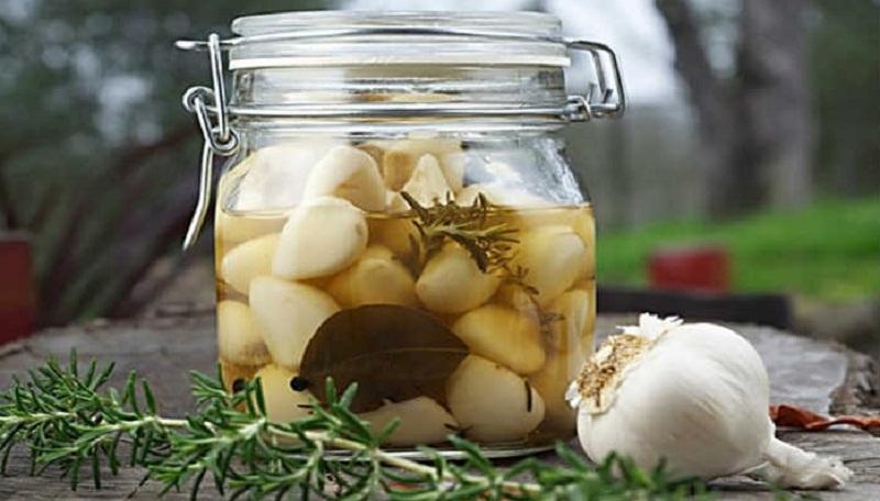 Маринованный чеснок быстрого приготовления – 3 лучших рецепта