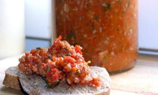 4 лучших рецепта приготовления аджики с грецкими орехами на зиму