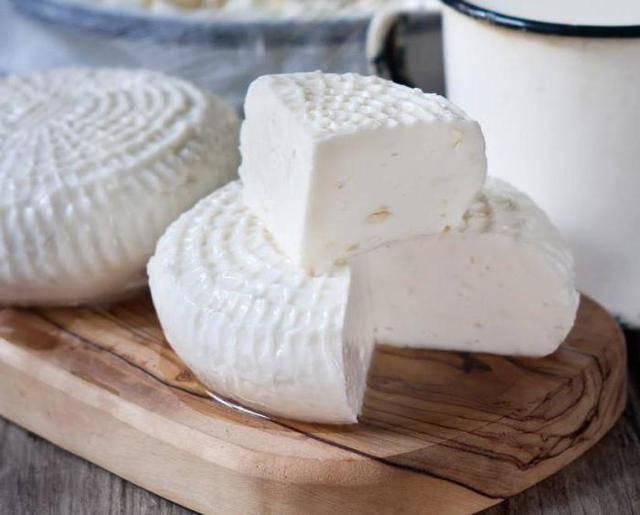 Топ-4 вида и названия сыров из овечьего молока, польза и вред для организма