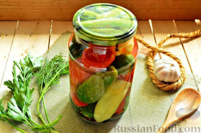 Салат из капусты, огурцов и помидоров на зиму
