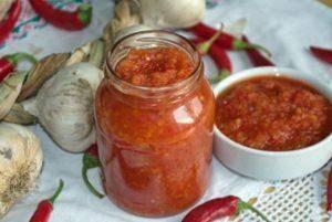 Лютеница болгарская. рецепт лютеницы на зиму с баклажанами