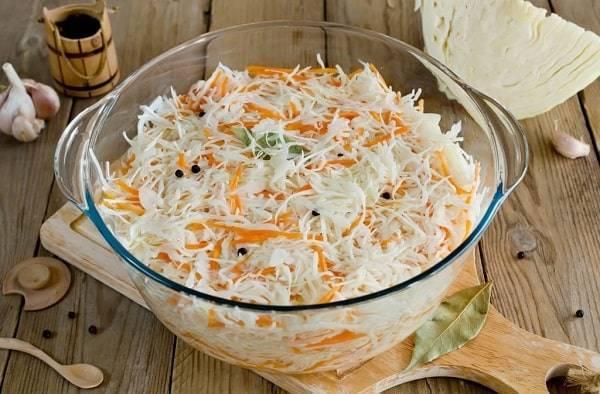 Маринованная капуста в банках – рецепты очень вкусной и хрустящей капусты