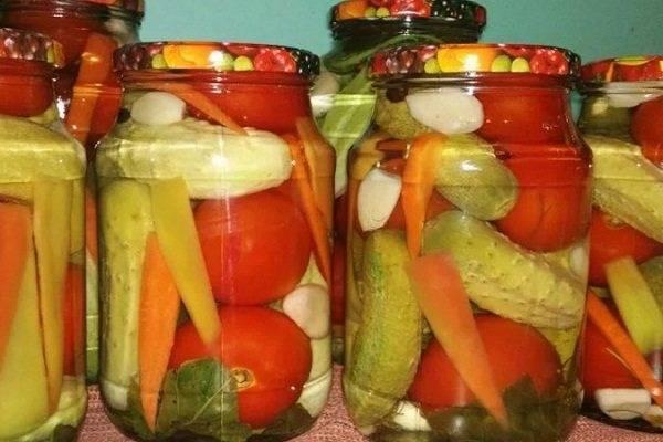 Засолка помидоров на зиму в банках: 15 простых и вкусных рецептов приготовления
