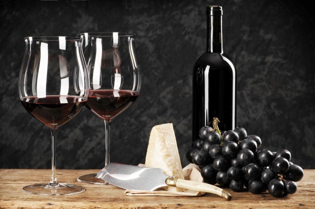 Лучшие рецепты, как из кислого винограда сделать вино в домашних условиях