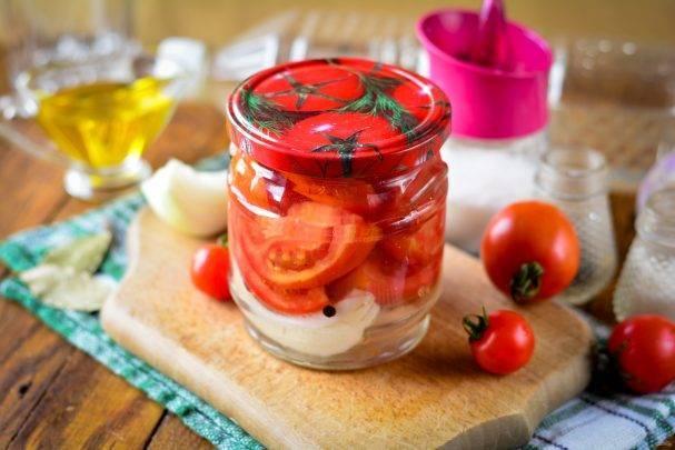 11 лучших рецептов маринованных помидоров с луком на зиму
