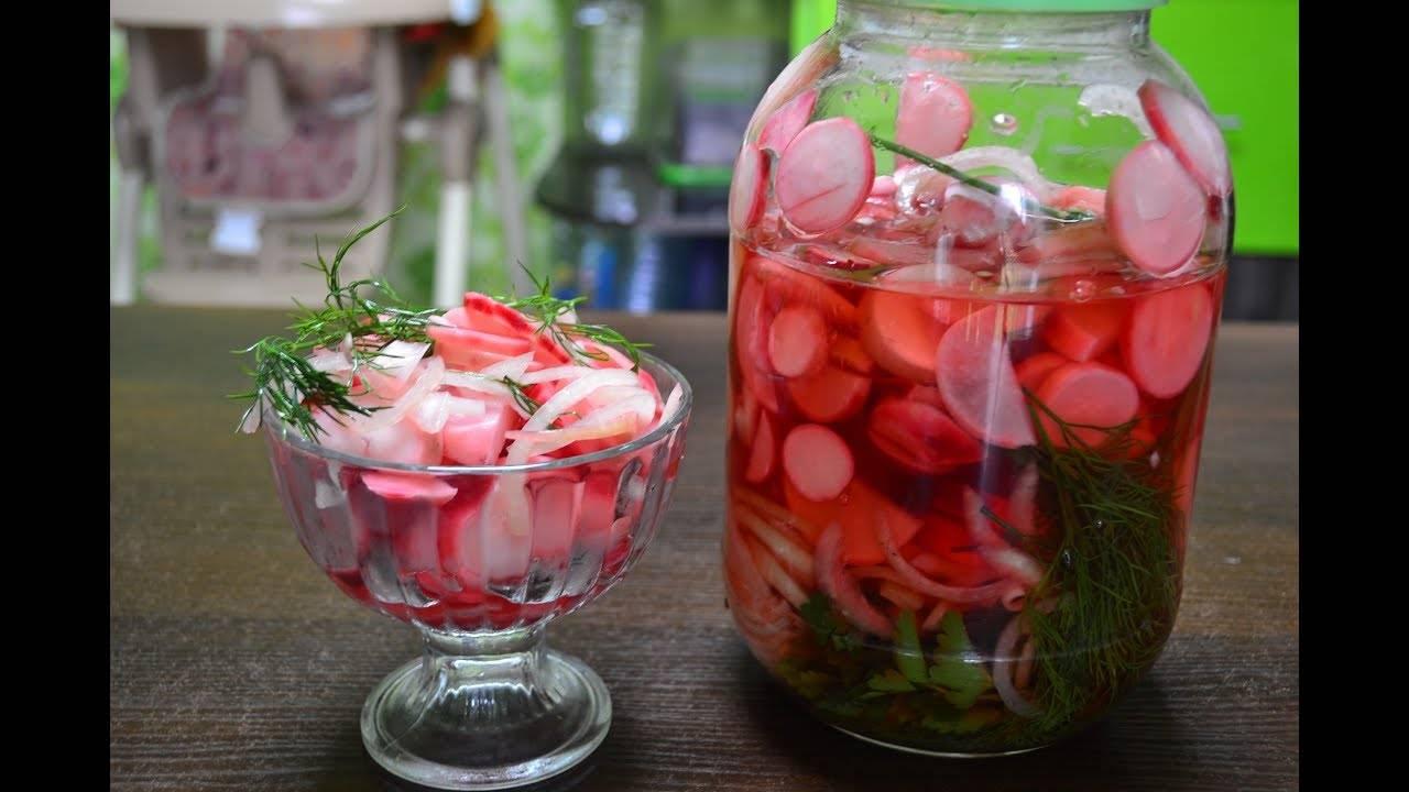 Помидоры с чесноком внутри на зиму: 6 рецептов маринования в домашних условиях
