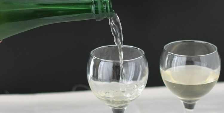 Простой рецепт вина из изюма в домашних условиях