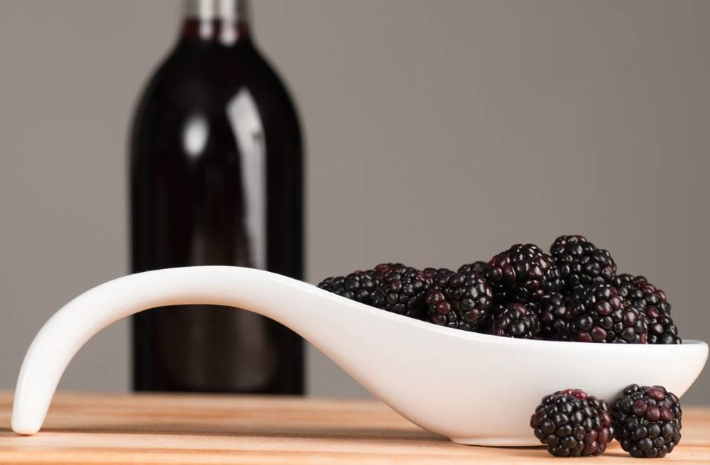 Вино из ежевики в домашних условиях простойрецепт