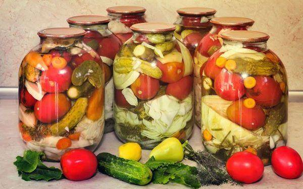 ТОП 6 вкусных рецептов приготовления засолки овощей ассорти на зиму