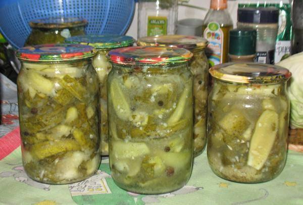 Хрустящие маринованные огурцы на зиму. простые и вкусные рецепты огурчиков в банках