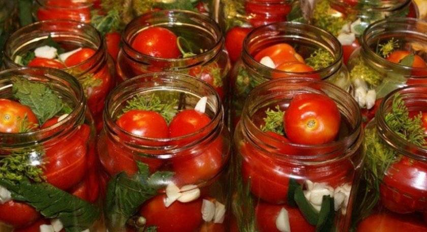 Помидоры с чесноком на зиму — 7 лучших рецептов с пикантным вкусом