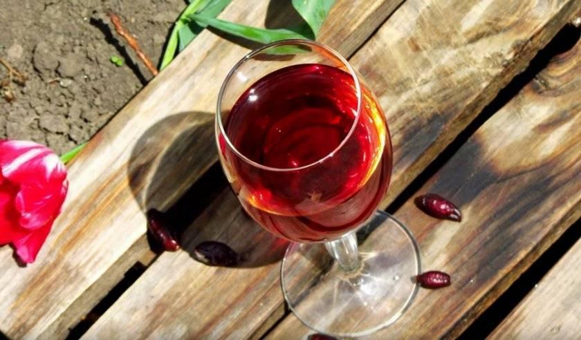 Домашнее вино из шиповника: топ-3 самых простых и доступных рецепта