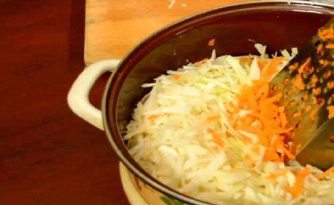 Топ 17 рецептов приготовления ранней капусты в банках на зиму