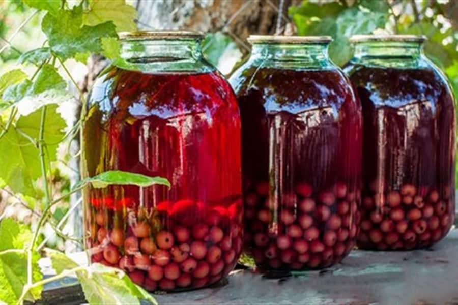 Компот из вишни на зиму: 10 простых рецептов на 3 литровую банку
