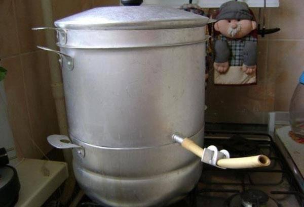 Как правильно сварить сок в соковарке и зачем это нужно делать?