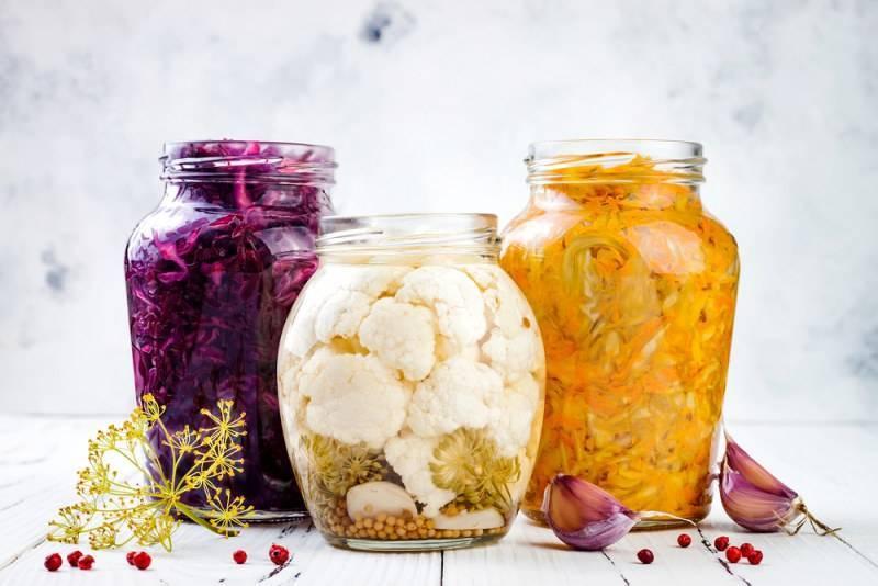 Очень вкусная капуста на зиму — 11 рецептов в банках