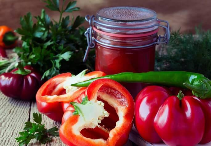 Огонёк из помидор с чесноком и хреном: закуска и приправа