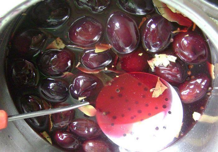Маринованные сливы как оливки на зиму - рецепты