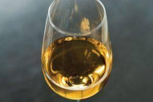 Можно ли ставить вино в алюминиевой фляге: полезные советы