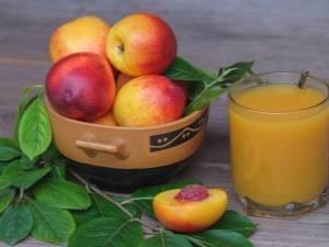 Простой рецепт персикового сока на зиму в домашних условиях