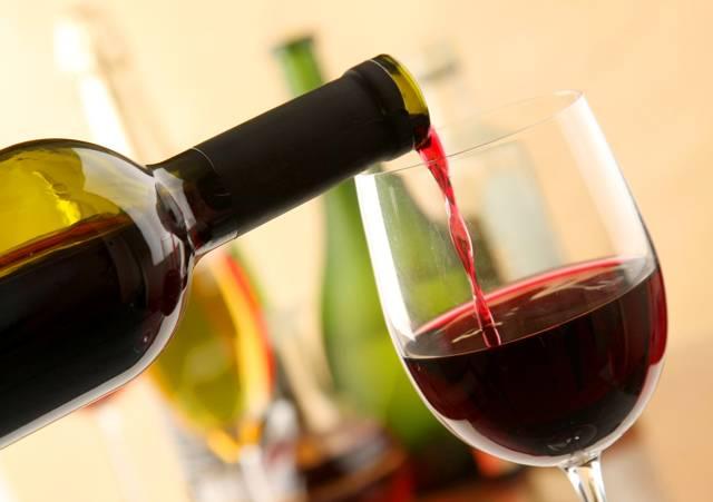 Делать ли вино в пластиковых бутылях